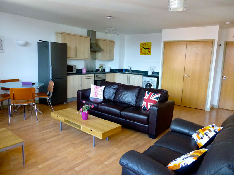 Student flats nottingham portland square for Living room nottingham